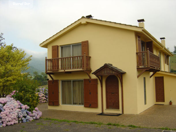 Casa rural casa oriental pilo a asturias for Casa rural jardin oriental