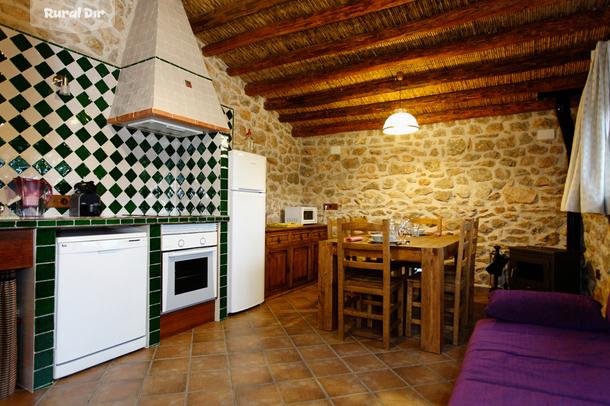 Casa rural ecorural dragons vilar de canes castell n for Cocinas castellon precios