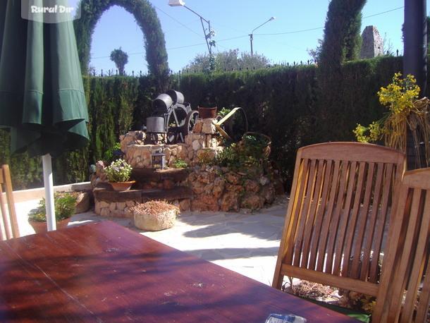 Casa rural el rinc n de lola valdepe as ciudad real for El jardin de la lola