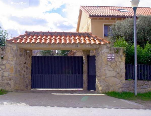 Casa Rural Casa Finca La Encina. Navas de Riofru00edo (Segovia)