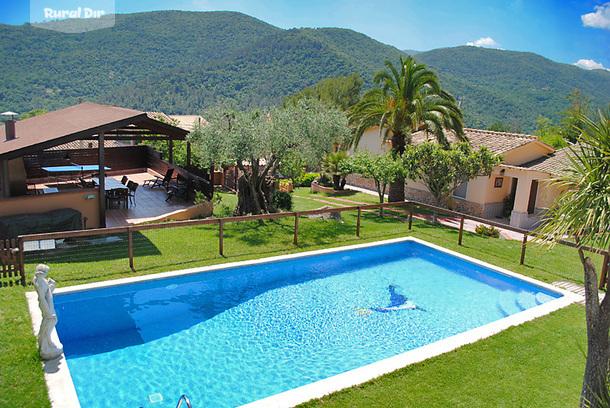 Casa rural el solei porqueres girona - Alojamiento rural con piscina ...