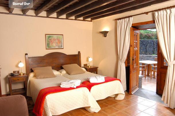 Casa rural hotel rural casablanca realejos los santa for Hoteles en madrid con terraza en la habitacion