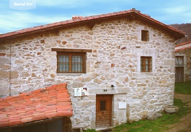 Casa rural c portalones gredos quijorna madrid for Casa rural gredos