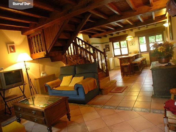Casa rural casa de aldea la regoria cabrales asturias for Cocinas para casas rurales