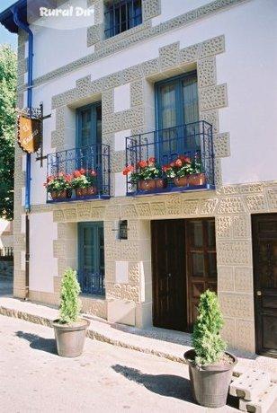 Casa rural el encanto de miraflores alojamientos rurales miraflores de la sierra madrid - Las mejores casas rurales de andalucia ...