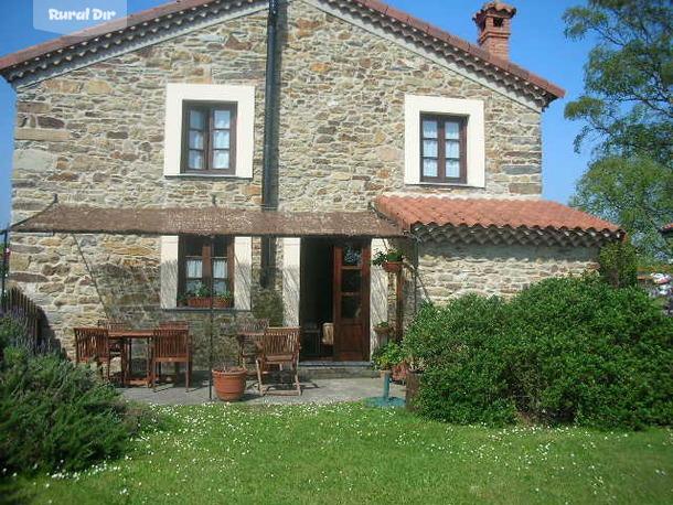 Casa rural la casa del campo cudillero asturias - Jardines de casas de campo ...
