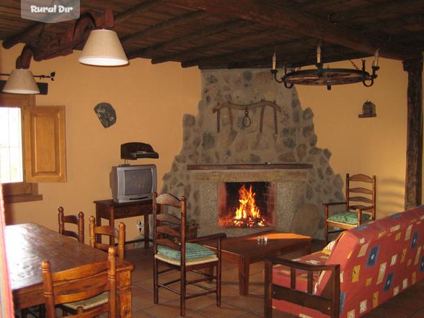 Casa rural casa rural la vega san vicente de alc ntara badajoz - Casa rural con chimenea en la habitacion ...