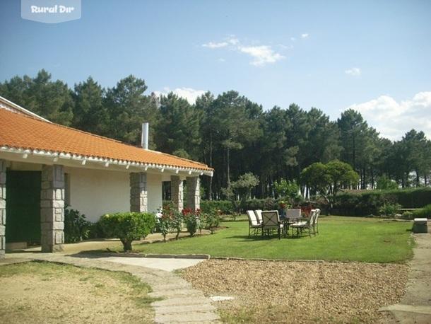 Casa rural las cruces casa el sueco san miguel de valero for Casa rural casa jardin